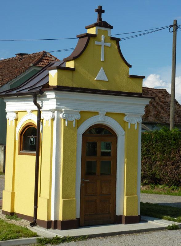 Kapelice, crkve, raspela
