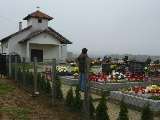 Nova ograda i posvećenje groblja