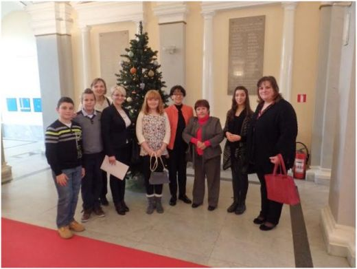 Učenici i učiteljice OŠ Koprivnički Ivanec primili nagradu