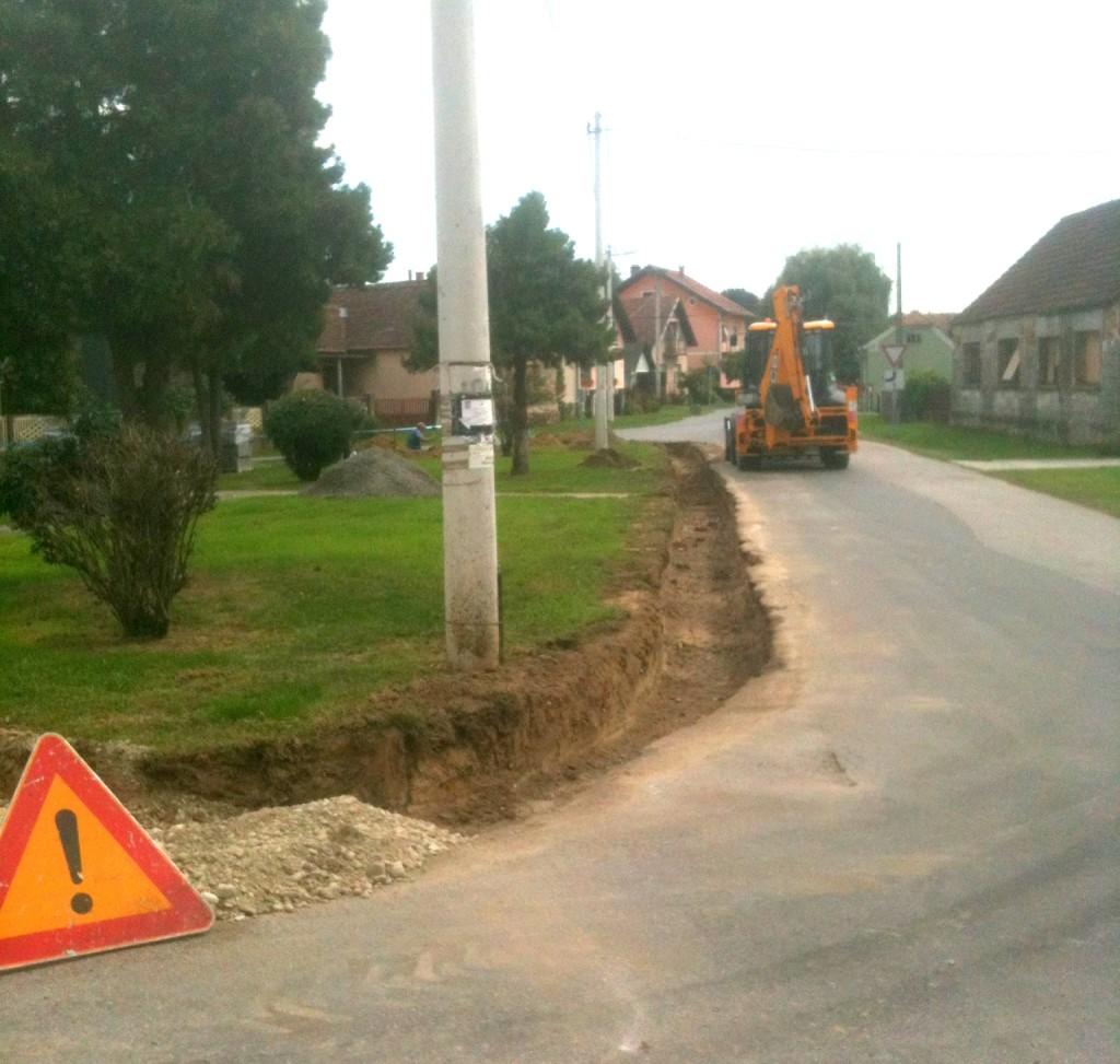 Uređenje velikog rondela u ulici Braće Radić u Koprivničkom Ivancu