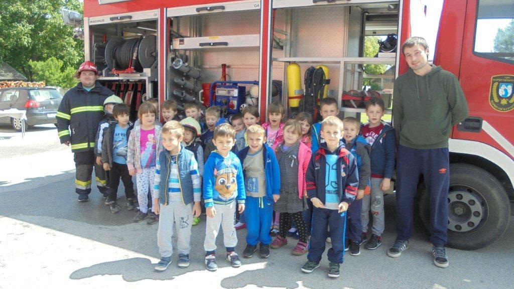 Vrtićanci posjetili vatrogasce