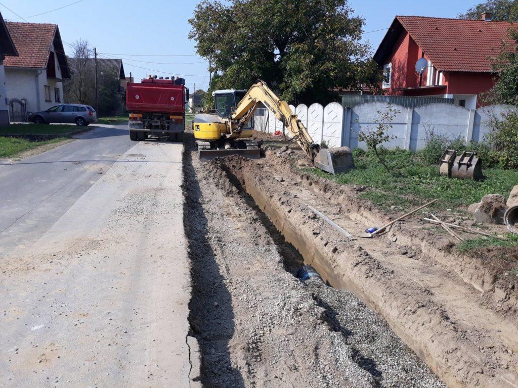 Započeli radovi na izgradnji nogostupa na sjevernom dijelu Koprivničke ulice u Koprivničkom Ivancu