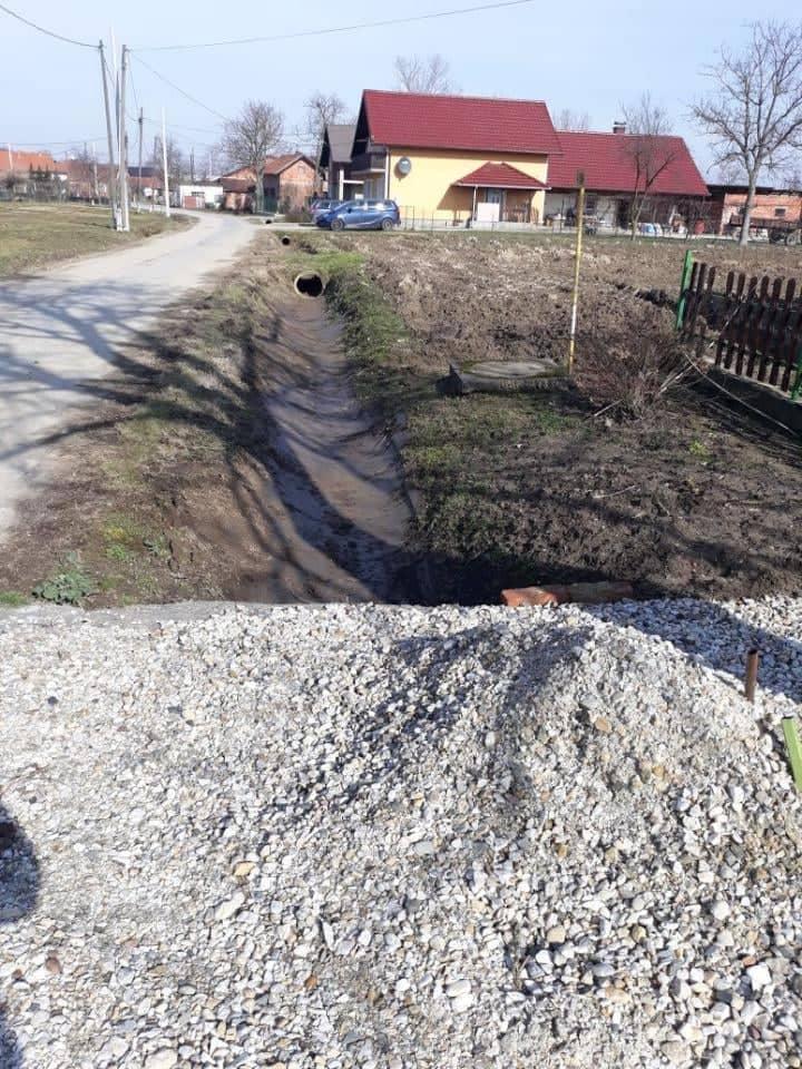 Čišćenje i održavanje odvodnih jaraka uz nerazvrstane ceste u vlasništvu Općine Koprivnički Ivanec
