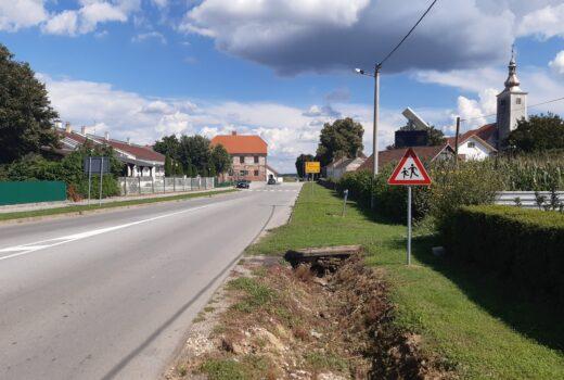 U naselju Koprivnički Ivanec postavljena je LED foto-naponska prometna signalizacija