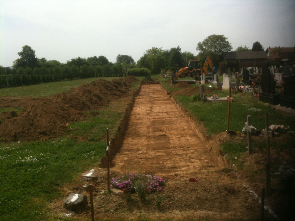 Počela izgradnja pješačkih staza na grobljima